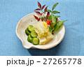 お正月風盛り付けの「お漬け物(白菜、キュウリ)」。 27265778