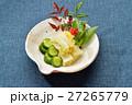 お正月風盛り付けの「お漬け物(白菜、キュウリ)」。 27265779