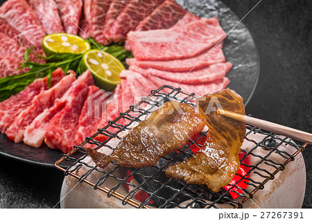 高級和牛で焼肉  Japanese beef roasted meat set 27267391