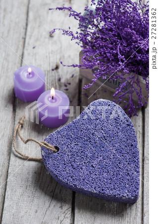 SPA Pumice and candles closeupの写真素材 [27281362] - PIXTA