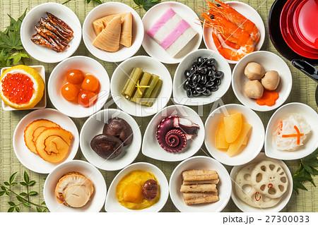 代表的な日本食セット Japanese food set 27300033