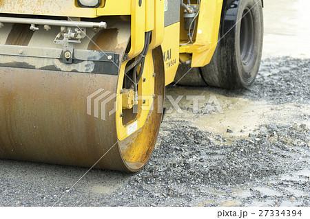 建設現場道路工事車両働く車ロードローラー 27334394