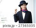 制服の女性 27365035