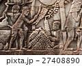 アンコール遺跡群の中にあるバイヨン寺院のレリーフ 27408890