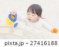 砂遊び 子供 一人遊び 27416188