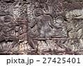 アンコール遺跡群の中にあるバイヨン寺院のレリーフ 27425401
