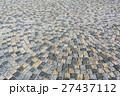 ピンコロ石のモザイク 27437112