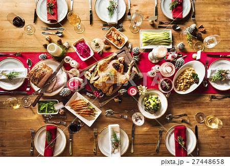 Christmas Family Dinner Table Concept 27448658