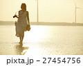 台湾を観光する女性 高美湿地 27454756