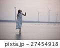 台湾を観光する女性 高美湿地 27454918
