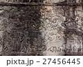 アンコール遺跡群の中にあるバイヨン寺院のレリーフ 27456445