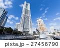 横浜_ランドマークと日本丸 27456790