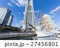 横浜_ランドマークと日本丸 27456801