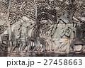 アンコール遺跡群の中にあるバイヨン寺院のレリーフ 27458663