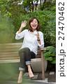 女性 カジュアル 笑顔の写真 27470462