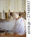 女性 高齢者 一人暮らしの写真 27488937