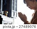 一人暮らしの高齢者 仏壇 27489076