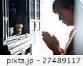 一人暮らしの高齢者 仏壇 27489117