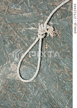Rope noose over wooden backgroundの写真素材 [27515444] - PIXTA