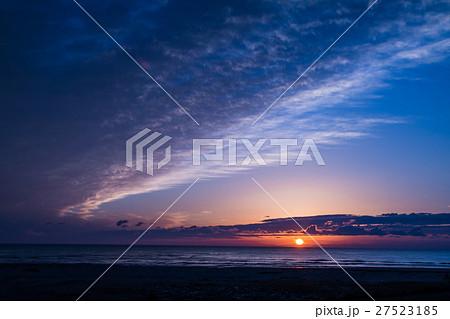宮城県亘理町 鳥の海からの日の出 27523185