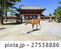 奈良県・東大寺の中門と鹿 27538886