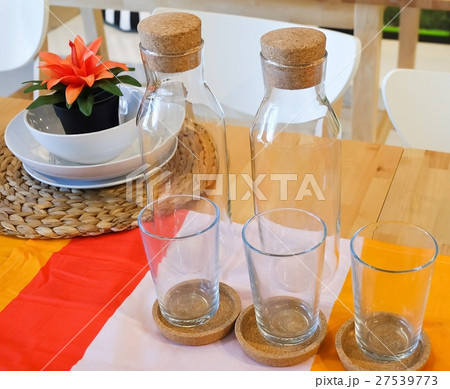 Set of Empty Glass with Glass Bottleの写真素材 [27539773] - PIXTA