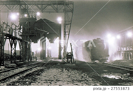 昭和45年 北海道五稜郭機関区の蒸気機関車C58 27553873