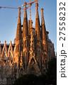 朝焼けのサグラダ・ファミリア(スペイン-バルセロナ) 27558232