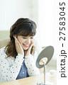 若い女性のスキンケア 27583045