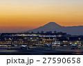 羽田空港 夕景と富士山 27590658
