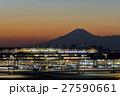 羽田空港 夕景と富士山 27590661