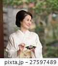ミドル女性 着物 イメージ 27597489