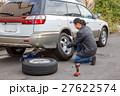 タイヤ 交換 男の写真 27622574