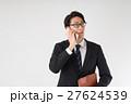電話をするビジネスマン 27624539