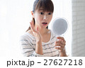 美容 手鏡 人物の写真 27627218