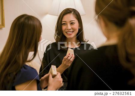 ホテル女子会 パーティー 食事 27632561