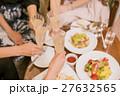 ホテル女子会 パーティー 乾杯 27632565
