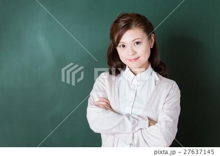 学校の先生 27637145