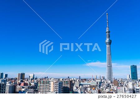 【東京都】スカイツリーと住宅街 27650427