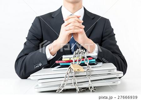 ビジネスマン、情報管理 27666939