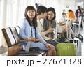 女性 空港 27671328