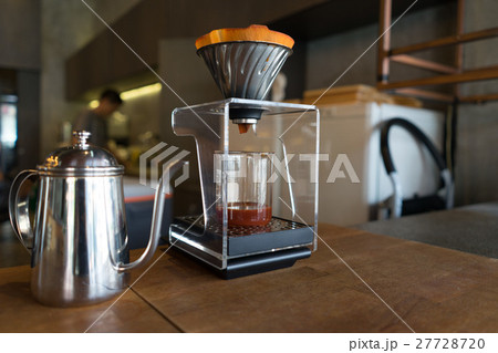 Coffee drip close up on a table with flaskの写真素材 [27728720] - PIXTA