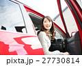 ドライブ 女性 人物の写真 27730814