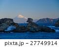 西伊豆雲見海岸奇岩と海越しに富士山 27749914