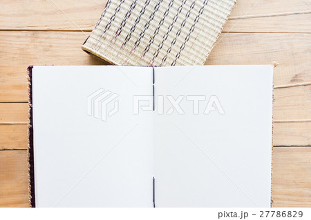 Noteboook paper with copy spaceの写真素材 [27786829] - PIXTA
