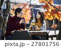 軽井沢 カフェでくつろぐカップル 27801756