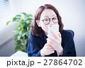 ポートレート 女性 スマートフォンの写真 27864702