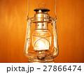 灯油ランプの灯火 27866474