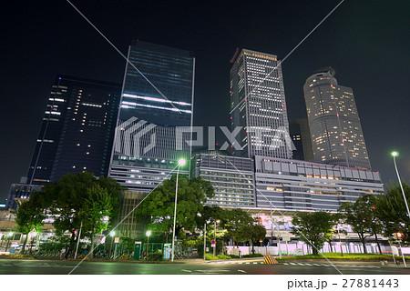 名古屋都市風景 名古屋駅裏 太閤通口交差点と駅ビル 夜景 27881443