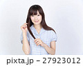 若い女性 美髪 ポートレート 27923012